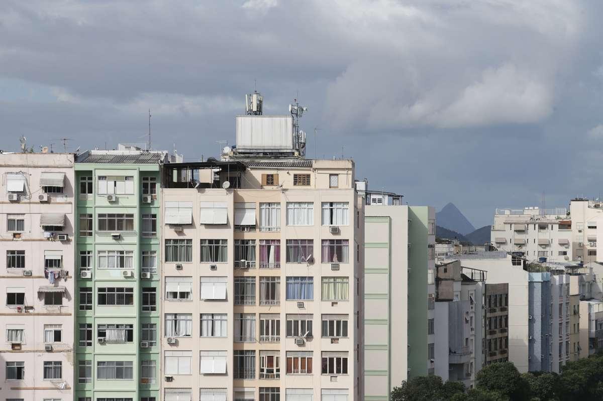 Foto da fachada de prédios para a pauta eSocial para condomínios só a partir de janeiro de 2019 para o Blog da Estasa